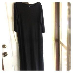 GAP black 3/4 sleeves maxi dress